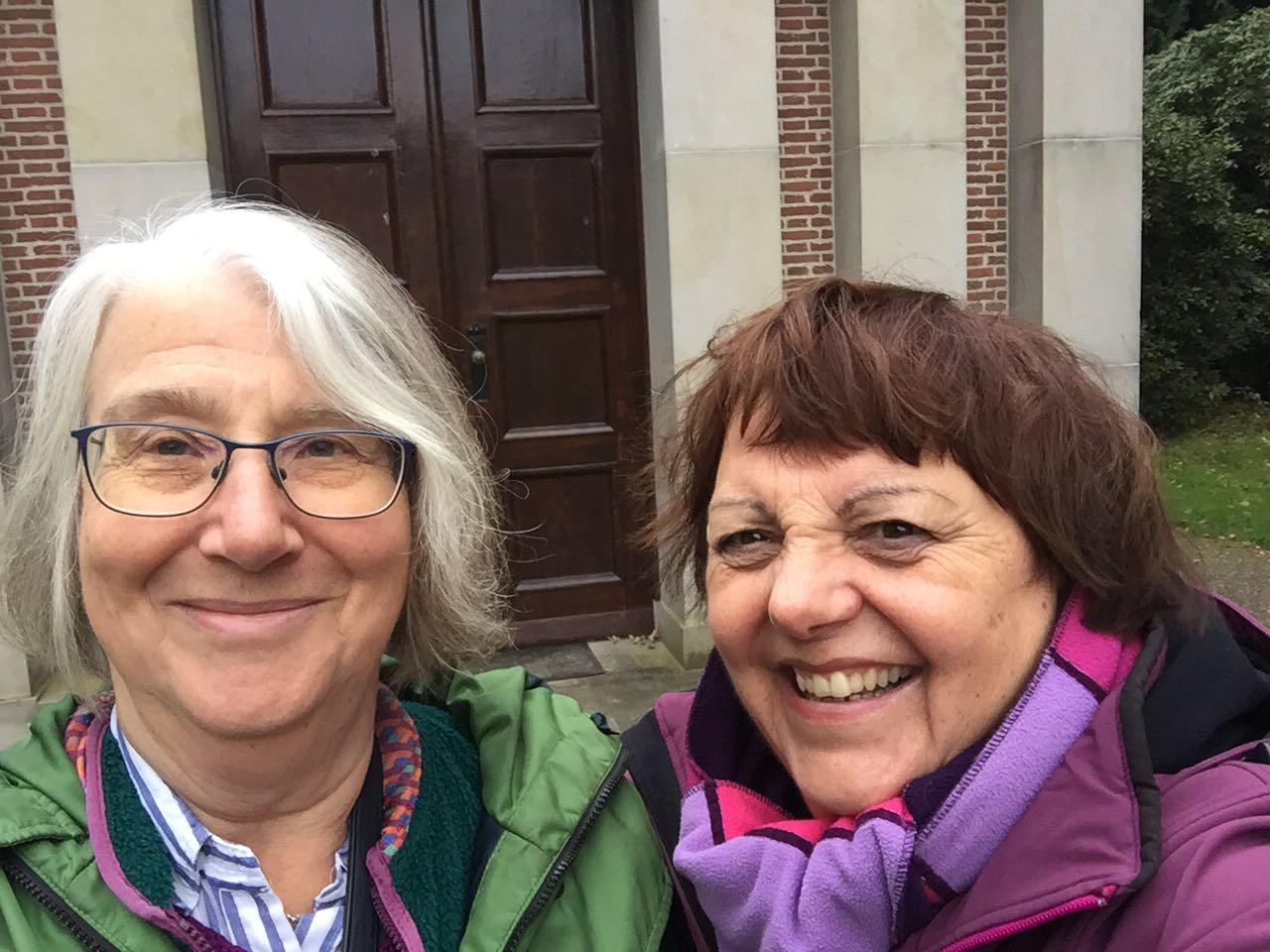 Sue Bennett (left) and Joke van der Leeuw-Roord (right)
