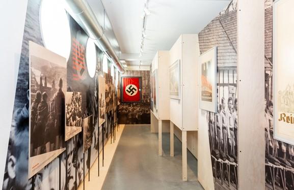 """Exhibition Review: """"Nazipropaganda voor de jeugd, 1933-1945"""" - Nationaal Onderwijsmuseum"""